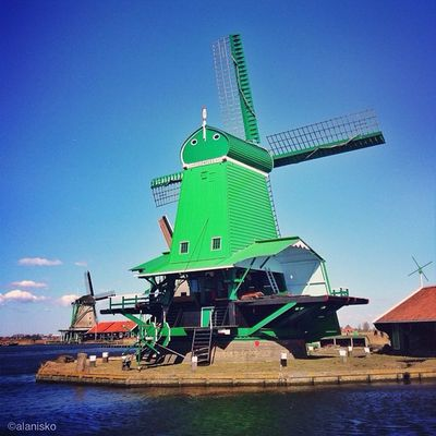 Have a beautiful #sunny Sunday my friends ☀?☀ #zaanseschans #holland #windmill #ic_cities #igholland #igersholland #insta_holland #gf_daily #gang_family #gramoftheday Zaanseschans Holland Windmill Sunny Gang_family Gf_daily Igersholland Ic_cities Gramoftheday Insta_holland Igholland