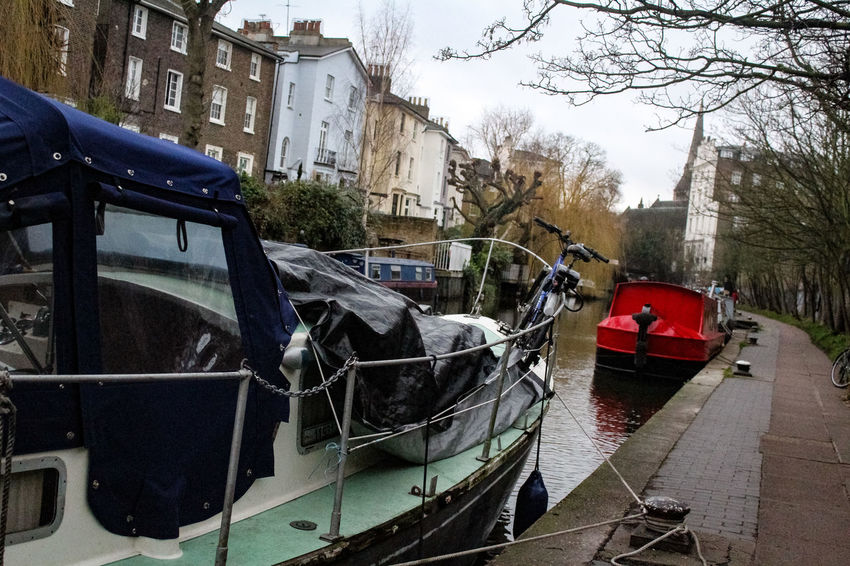 Mode Of Transportation City Day No People Visual Creativity Adventures In The City CandemTown Nature EyeEmNewHere Travel Tourist Destination Winter Travel Destinations London City Life Candemlock Londres City Outdoors Water Canal Regentscanal Inglaterra Waterfront Transportation