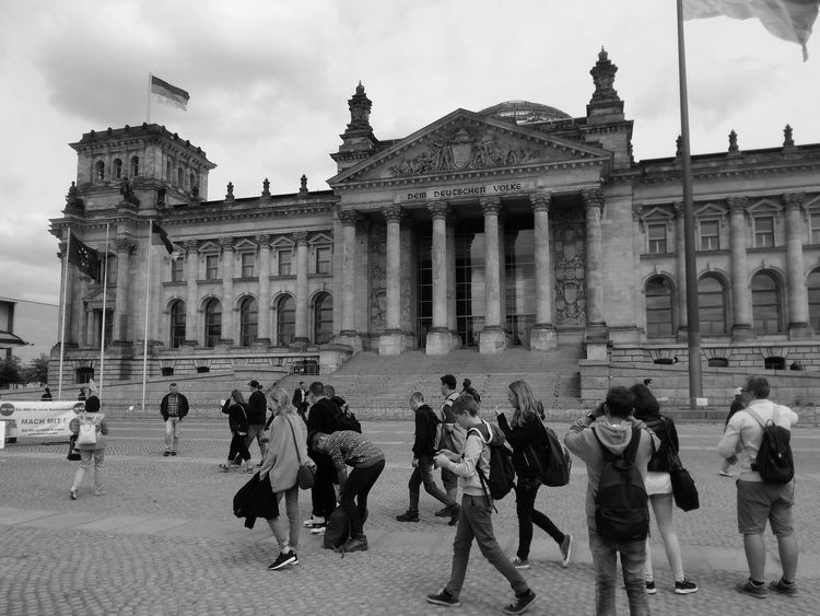 Battle Of The Cities Berlin Architecture Bundestag Germany GERMANY🇩🇪DEUTSCHERLAND@ Turism Black & White Berlin Photography Tourism Tourist Built Structure Myberlinweek Monochrome Photography Embrace Urban Life Capture Berlin