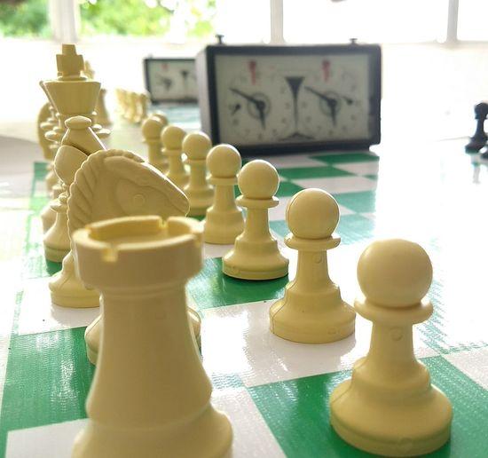 Xadrez, Campeonato escolar pernambucano, competição, desafios, estratégias, confiança, determinação, raciocínio lógico, vitória, Esperança Chess Piece Chess Indoors  Strategy Chess Board Knight - Chess Piece Day No People King - Chess Piece Queen - Chess Piece Close-up EyeEmNewHere