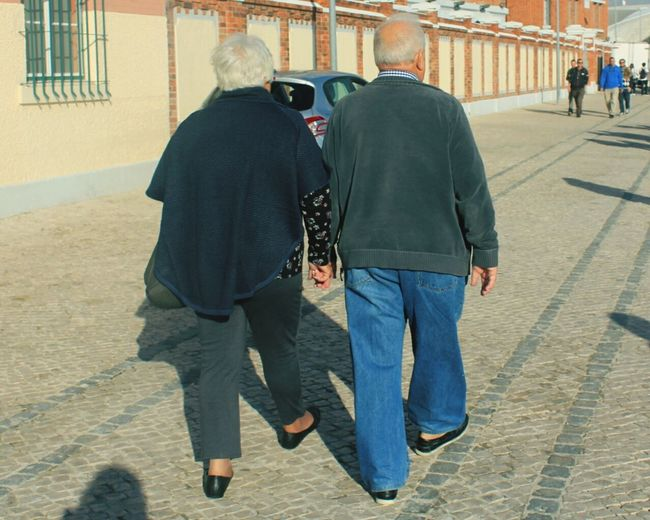 Some couples last forever...❤ Love Oldcouple Lisbon Lisbonlovers Maat Lisbon Documentary Photography Streetphotography Outdoors Portugal Canonphotography Photographylovers City Fine Art Photography Capture The Moment Check This Out Close-up EnjoytheNewNormal My Year My View