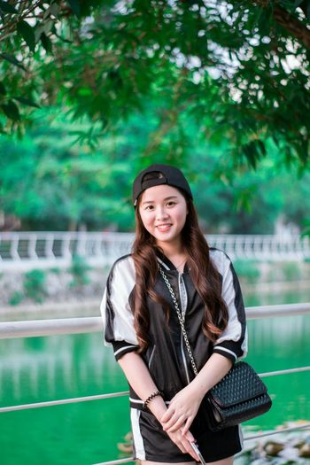 Face Green Portrait Taking Photos Campus Life Girl Asian Girl Girl Power Chinese Girl Portrait Of A Friend Portrait Photography Nikonphotography 中国南宁 Nikon Yongnuo Yongnuo 50mm Skin Chinese Culture GXMU