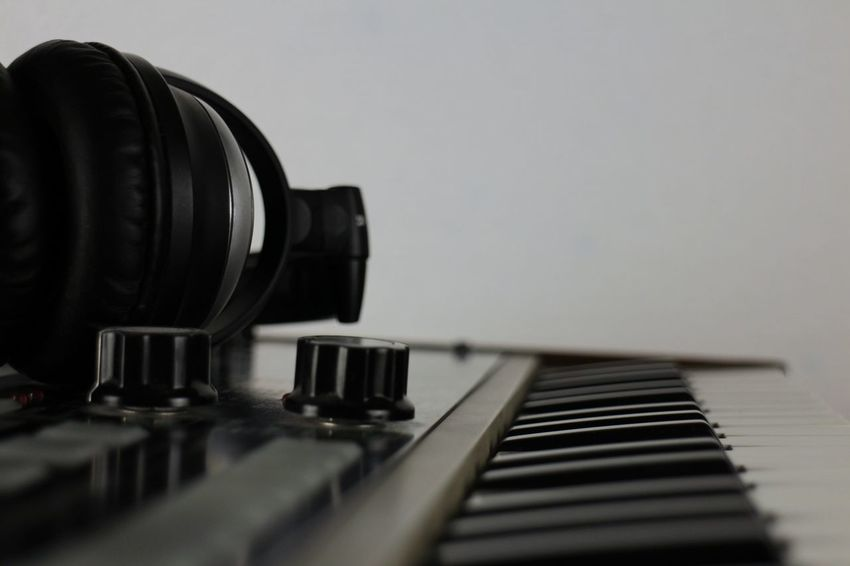 Synthesizer Arts Culture And Entertainment Music Musical Instrument Indoors  Piano No People Sound Desktop Background Desktop Wallpaper Audio Synthesizer Synth Musical Instruments Audio Studio Audiorecording Musical Equipment Audioengineering Audio Electronics Selective Focus Piano Key Music