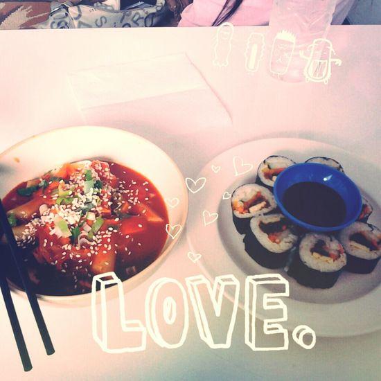 korean food so delicious... mashitaaaa ヽ(´ー`)ノ (ノ´ー`)ノ