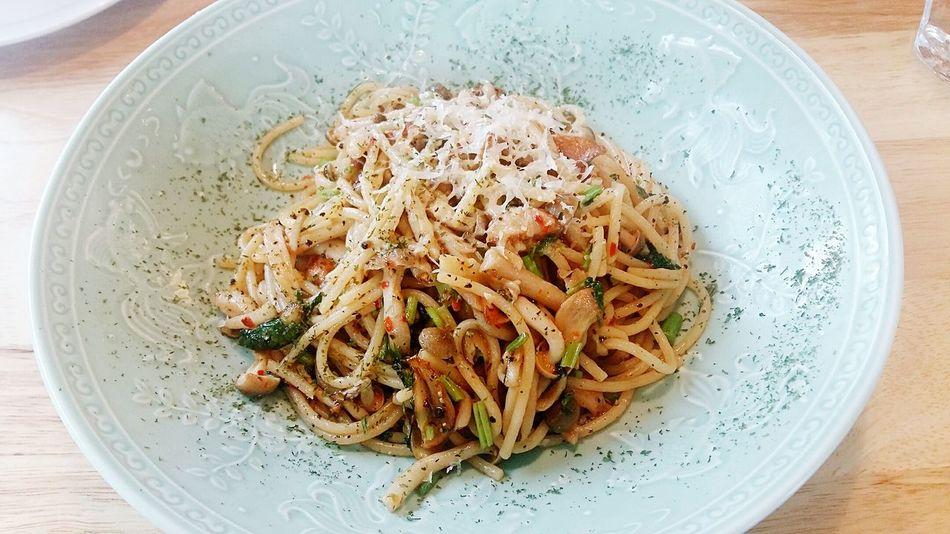Aglio Olio Spaghetti Pasta with Cheese