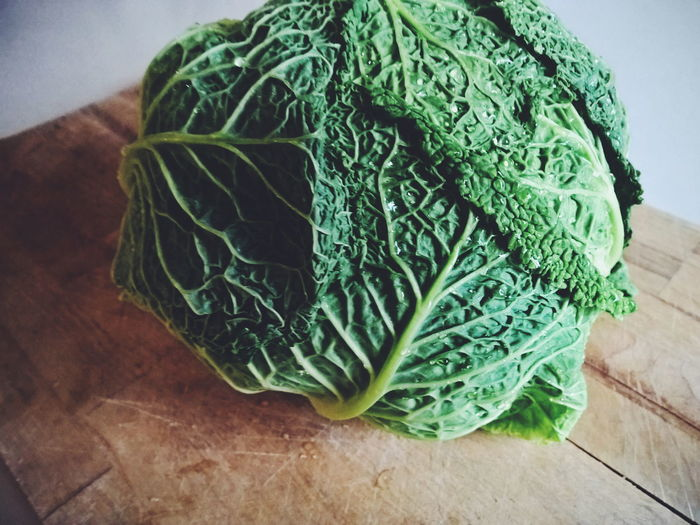 Art And Craft Backgrounds Close-up Detail Directly Above Freshness Full Frame Green Color Growth High Angle View Leaf Leaf Vein Natural Pattern No People Organic Plant Preparation  Simplicity Temptation Vegetable Vegetables Photo Savoy Cabbage Vegetables Healthy Eating Healthy Food