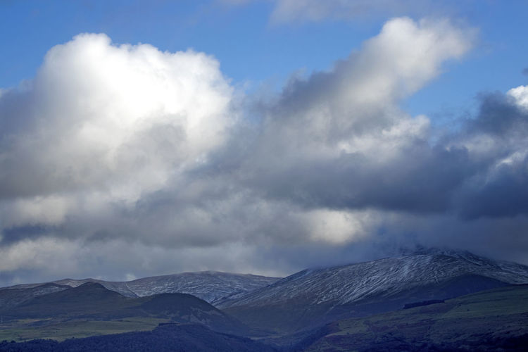 Mountain Cloud - Sky Scenics - Nature Sky Beauty In Nature Environment Mountain Range Landscape Tranquil Scene No People Nature Tranquility Non-urban Scene Day Travel Destinations Dramatic Landscape Land Outdoors Storm Mountain Peak Carnedd Llewelyn
