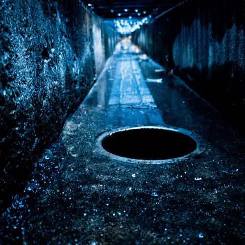 Surface level of road in tunnel