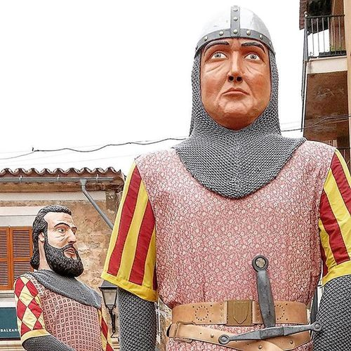 Cabrit i bassa Santroc2015 Alaro Mallorcagram Loves_balears Mallorca Igersmallorca Tipicalmallorca Gegants