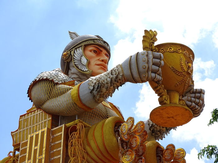 ezefer Architecture Art Art And Craft Arts Culture And Entertainment ArtWork Carnaval Carnaval2017sp Carnival Creativity Day Headwear Human Representation Idol Low Angle View No People Outdoors Sculpture Sky Statue