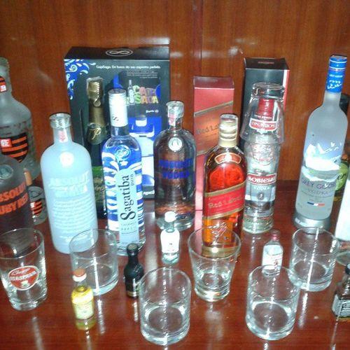 Quer um drink? // Want a drink? ABSOLUT Redlabel Sagatiba Sobieski Bacardi Bigapple Drinks Vodka Brasil Brazil NoFilter