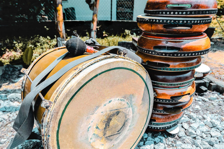 Drum - Container Drum Sunlight Container Close-up Musical Instrument Cylinder Old Barrel Rusty Kompang Gendang Wedding Day Etnic Music Cultural Festival Cultural Music Ceremonial Focus On Foreground Day Music Field Outdoors Analogue Sound