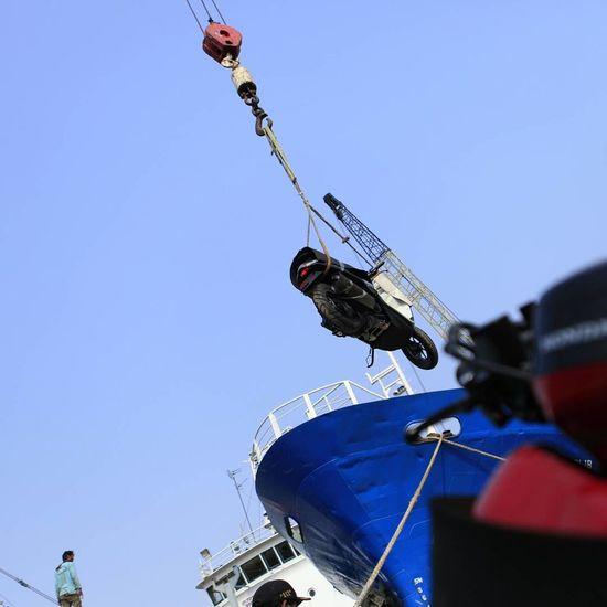 Bongkar muat di pelabuhan sunda kelapa jakarta Indonesia
