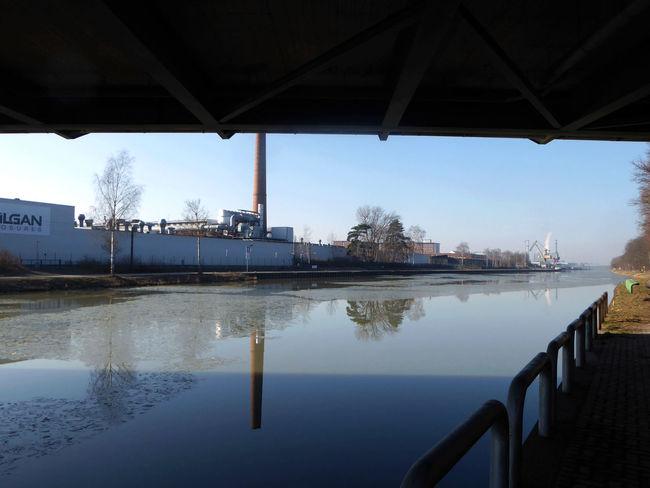Am Mittellandkanal In Hannover Under A Bridge Binnenschifffahrt Reflection Water Bridge - Man Made Structure For My Friends 😍😘🎁 Lieblingsplätze😍 Sunny Winter Day Bicycling Enjoying Life Waterrefliction