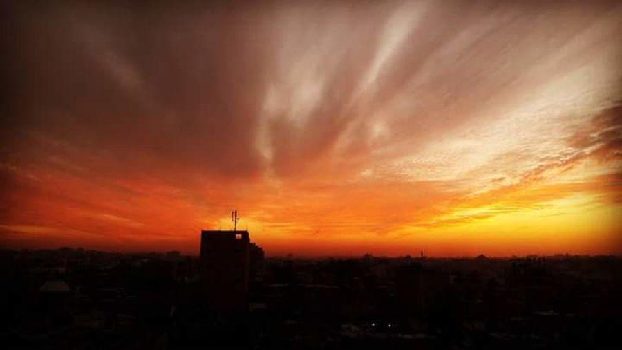 منظر طبيعي لغروب الشمس محمود لبد Sunset Building Exterior Dramatic Sky Architecture City Cloud - Sky Orange Color First Eyeem Photo