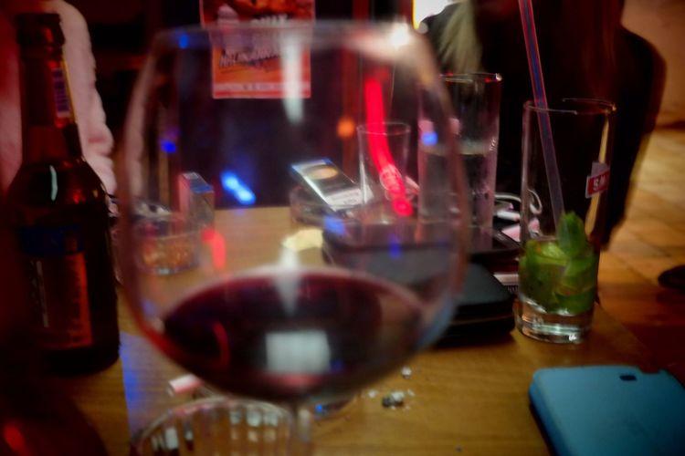 Şarapbım Happiness ♡ Happiness Mutluluk Bar Eğlence Red Red Wine♡ Red Wine Wineglass Wine Love Gece Night Kadeh Bodrum, Turkey Alcohol Gece Bar Bodrumbarlarlarsokağı Table Masavekadeh şarap Masada EyeEm Ready   An Eye For Travel