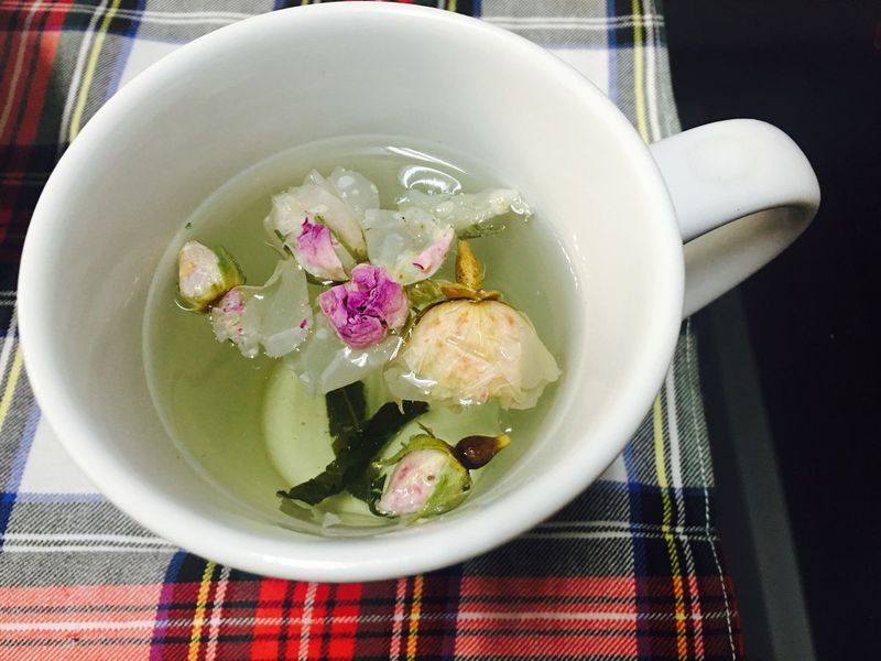 Indoors  Table No People Freshness Flower Close-up Day Rose Tea