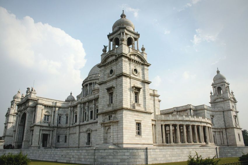 Victoria Memorial. Kolkata,India. Travel Destinations Architecture Built Structure Building Exterior City Sky Outdoors Cloud - Sky No People Day Dome Newoneyeem Architecture_collection Architecture Building And Sky Massive BigBiggerBiggest Indiapictures India_clicks India Indianphotographer EyeEmNewHere