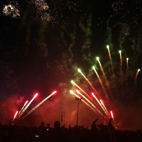 Monza Spettacolo Spettacolopirotecnico Fuochidartificio Fuochi Notte Colori Festa Shoot Picofday Travel Travelpic Holiday Fun Sight Party Fire Fireworks Rainbow Light Night Goodnight Memories Summer Fiesta