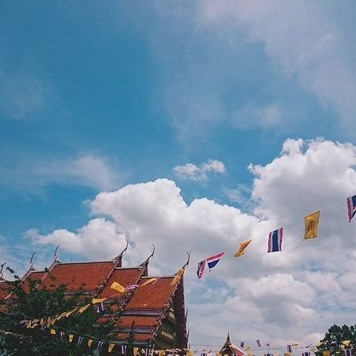 🙏 ⚫ สู่ ค ว า ม สุ ข . . . . . Journey Traveling Traveler Travel VSCO Vscocam Feel Feelgood Thailand Buddha Happy Simple Art Temple Pleaceful Sky Clound Minimalist Minimalstyle Minimal MinimalPhotography