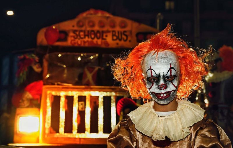 IT Payaso Carnaval Night Spooky Portrait Front View Horror One Person
