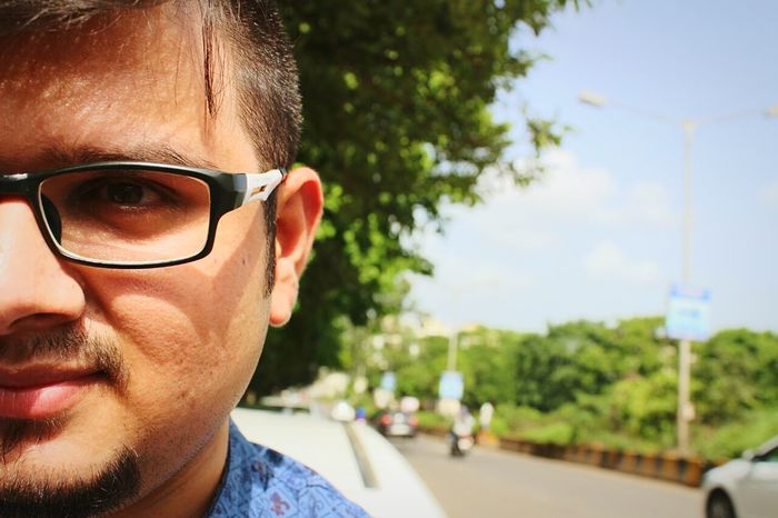 MyClick India Myclick💚 Eyeemphotography One Man Only Portrait Human Face Headshot Looking At Camera Outdoors Close-up DSLR PhotographyOutdoors Photograpghy  Friendsdayout Cannonphotography HalfFace Undercuthair Frenchcut Sunlight ☀ No Filter Natural Light Portrait Hiranandaniestate Thanecity