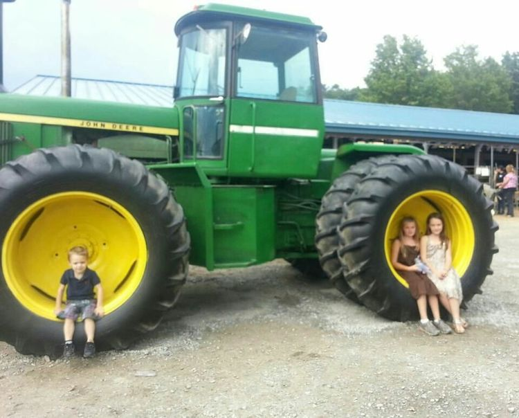 That's a big John Deere Family❤ Taking Photos Enjoying Life Check This Out Cheese!