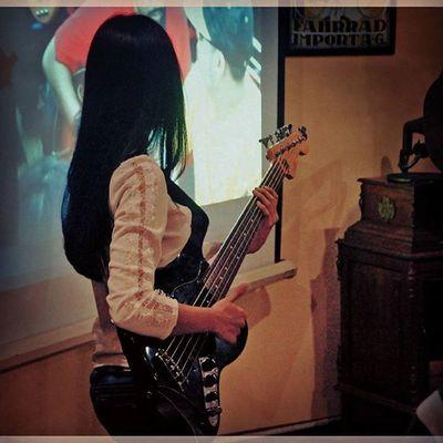 -Memetik Terpetik ((Tergemaskan oleh pencabik bass TIGA di Pembubaran Panitia LJ2015 )) TiGA LJ2015 Jazzngisoringin Bassist Adorable Tapping YoungLady