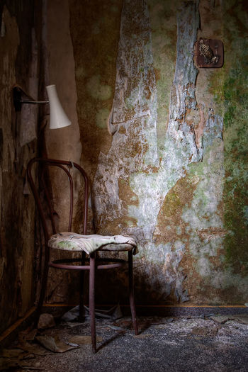 Seat Indoors  Abandoned Old Damaged Chair Run-down Obsolete No People Weathered Bad Condition Decline Empty History The Past Messy Ruined Urbexphotography Decay Spooky Misterious Mistery Forgotten