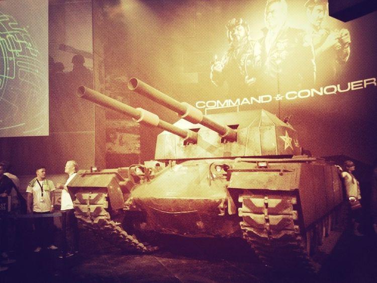 hier steht ein Panzer rum... Gamescom