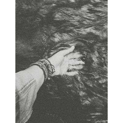 Serin sular. Water Cold Hand Wristband s çanakkale turkey history blackandwhite vscoco vscocam vsco vscocamblack vscoblack enjoy ff jj f4f follow