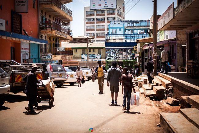 Walking in downtown Nyeri, Kenya! Kenya Afrika Nyeri Canon Canon 5D Mark II Vacation Work