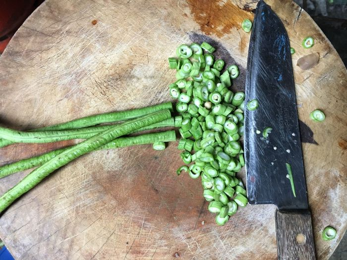 Cut Up Cut Knife Long Beans Long Bean String Bean String Beans Vegetable Wellbeing Food And Drink Healthy Eating High Angle View Freshness Food Vegetable Wood - Material Large Group Of Objects Still Life Green Color