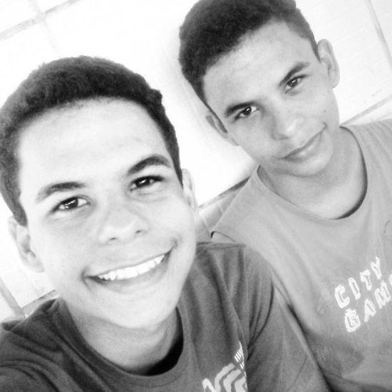 Selfie Irmão Gemeos Instafollow instafollow semprejuntos