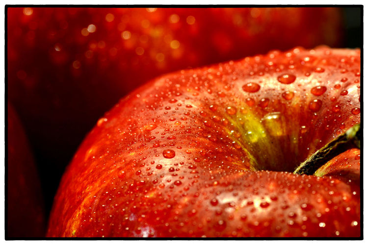 Apple EyeEm New Here EyeEmNewHere Beauty In Nature Close-up Drop Food Food And Drink Fragility Freshness Fruit Indoors  Nature Night No People RainDrop Red Water Wet First Eyeem Photo