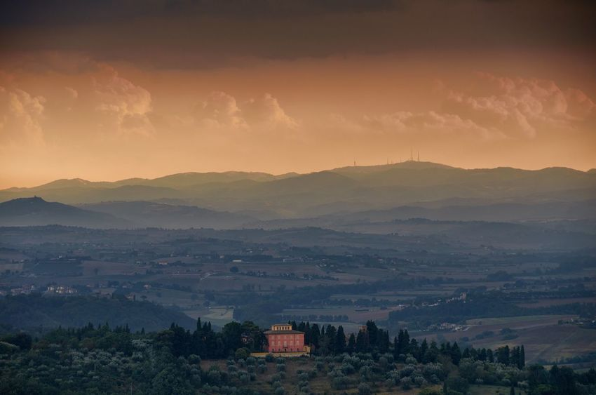 Umbrian sunset Umbria Italy Countryside Rural Landscape Hills Horizon Lone House Lone Building Sky Clouds And Sky Clouds Golden Hour Sunset Sundown Dusk House No People Outdoors Nature