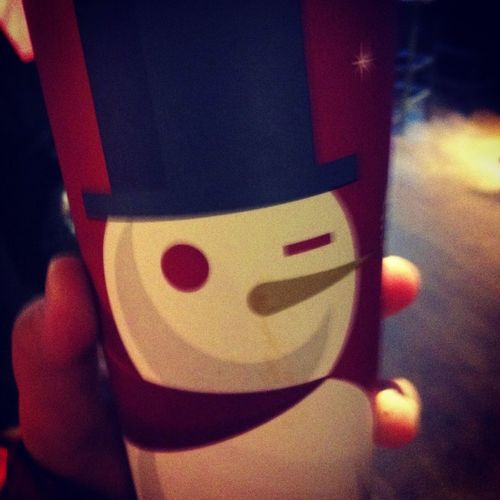 Frosty The Snowman on my Starbucks coffee cup n-n