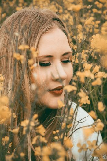 Flower Beauty Beautiful Woman Nature Summer Outdoors Field One Person Close-up Beauty Of Nature Looking At Camera Beauty In Nature Outdoor Photography Photography Photoshoot Photo Of The Day Photoshop Photographer Nature Portrait Make-up The Portraitist - 2017 EyeEm Awards Photoart Yellow Blonde