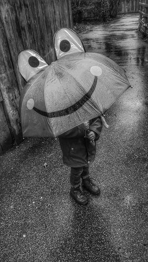 Umbrella Umbrella Boy Rainy Days Rain☔ Boy Wet Day Wet Pavement Autumn 2017 One Boy Only Frogface BestEyeemShots Outdoors Ilovephotography