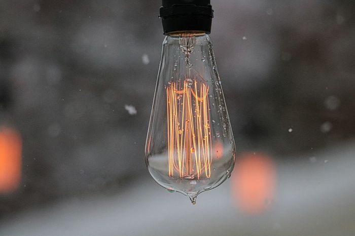 Close-up Copy Space Day Edison Edison Bulb Edison Bulbs EdisonLight Edisonpearls Filament Filament Light Filaments Focus On Foreground Hanging Illuminated Light Bulb Light Bulbs No People Outdoor Lighting Outdoors Science Scientific Experiment Snow