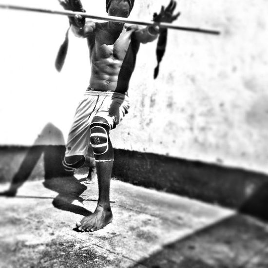 Messed up my left hip couple months back but I still kill it from time to time with some epic Judo practice at Home hope to get back in the game soon. Martialart Tough agressive African beastmode barconnection barbrothers streetworkout