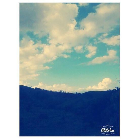 """""""Os meus olhos contemplam a beleza de um céu resplandescente: obra do meu criador."""""""