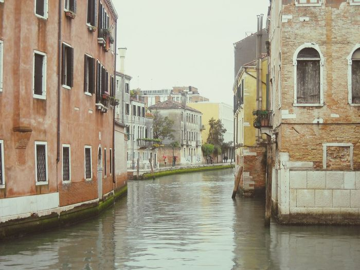 Italy❤️ Amazing Architecture FacadesClassic Reinessance Baroque Romantic❤ Brick Wall Damaged Wall Reflection Riverside Orange Wall  Coloured Wall Old Buildings Old Houses Attached Buildings Windows And Doors Old Walls Old Wall Style Europe Trip Venice Canal