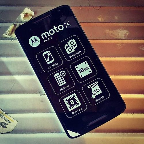 Time to play with something new, the @motorola Moto X Play by @1und1. 1und1 Motorola Motoxplay 1und1hwl