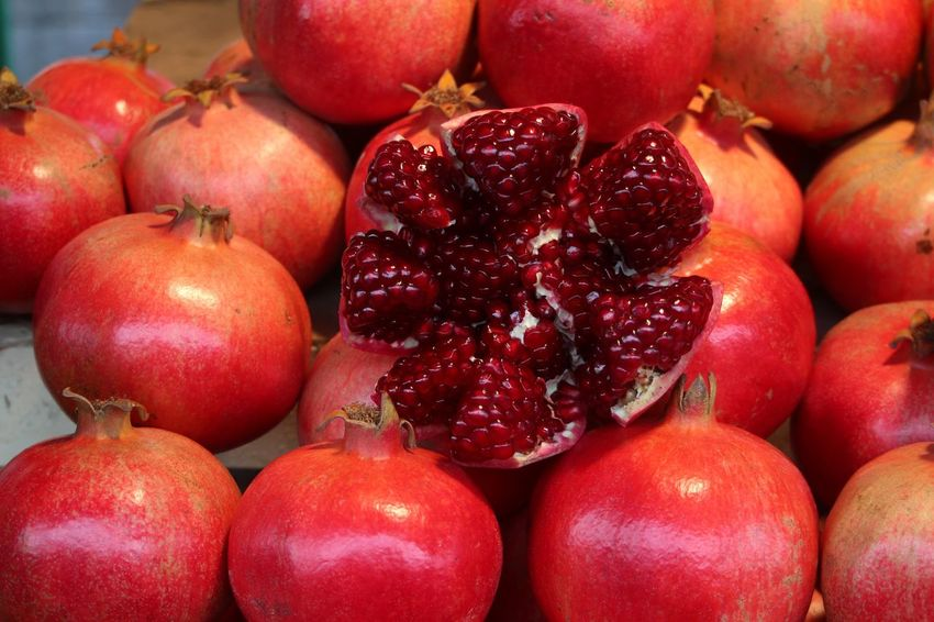 Pomegranate Fruit Healthy Eating Food And Drink Food Red Freshness Abundance Large Group Of Objects Close-up No People Pomegranate Healthy Lifestyle Market Day Indoors  Pomegranates  Pomegranate Fruit