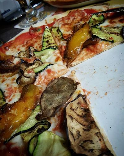 Pizza!! 😍 Italia Italianpizza Pizza Padova Cena Pizzavegetariana 100ita Vegetarianpizza Dinerwithpizza Pizzawithvegetables