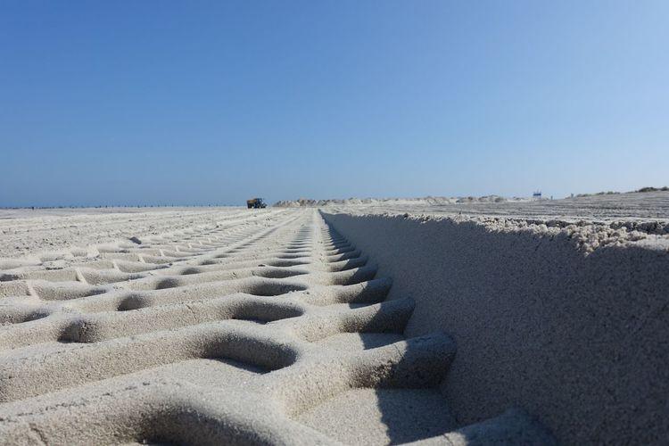Sand Strand Beach Spur Trak Helgoland Düne The Week On EyeEm The Week On EyeEm Lost In The Landscape