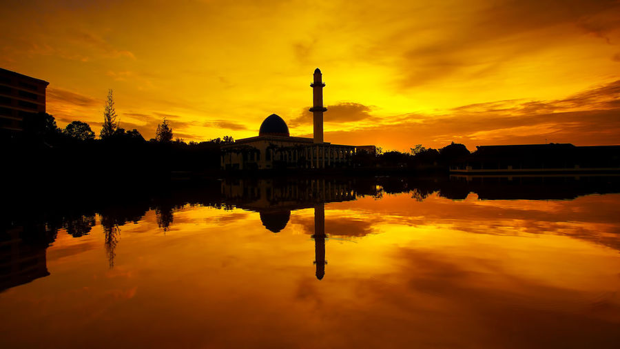 Reflection Cloud - Sky No People Architecture Outdoors Nature Sky Mosque Malaysia Shillouette Shadows & Lights Architecture Sunrise N Sunsets Worldwide  Sunrise_Collection Building Exterior Beauty In Nature Shillouettes Shillouettes And Sunshine Paint The Town Yellow