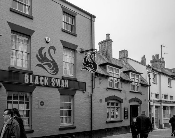 The Black Swan, Chapel Street, Rugby, Warwickshire Rugby Warwickshire Rugbytown Black And White Monochrome Architecture FUJIFILM X-T10 Rugby Pubs Pubs