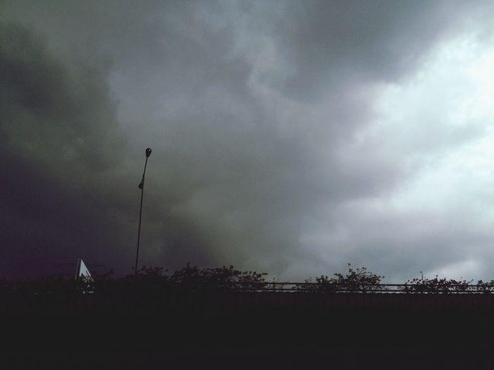 Gradient 5 p.m Clouds And Sky Rain Storm Dark Clouds